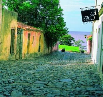 Guía de servicios e información turística de Colonia del Sacramento, Uruguay